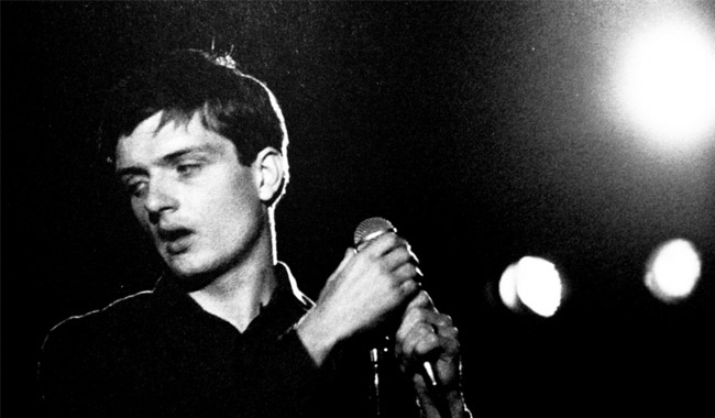 ian-curtis-vocalista-do-joy-division